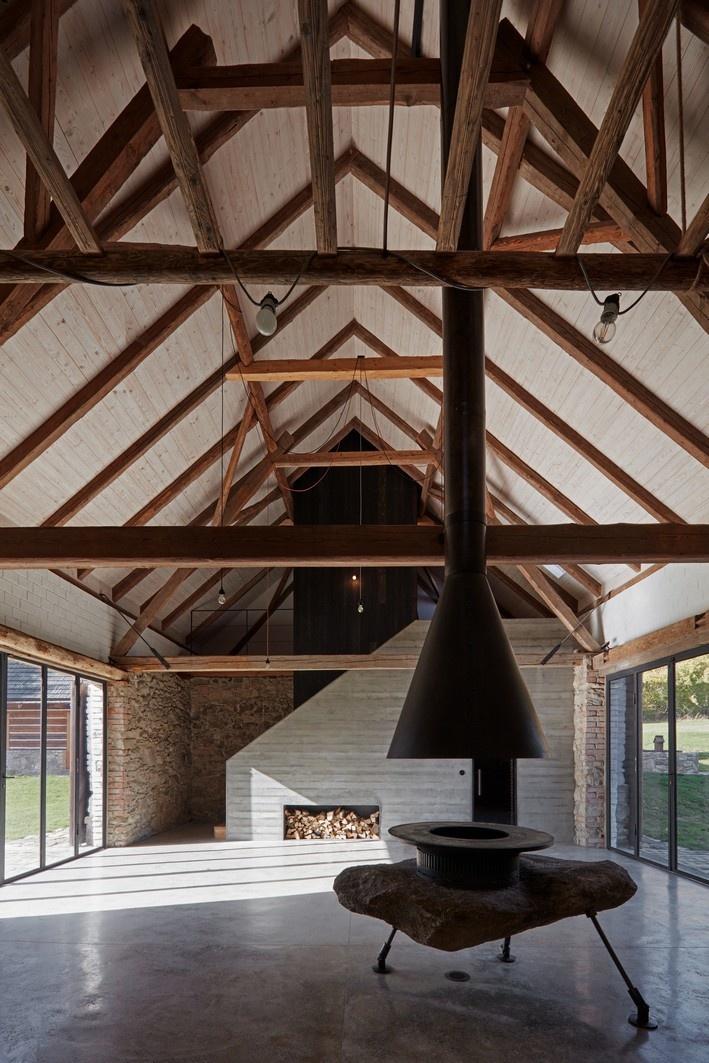 Víťaz minulého ročníka súťaže v kategórii Rekonštrukcia pomenovaný Dva domy, srnky a stromy od architektky Lenky Míkové