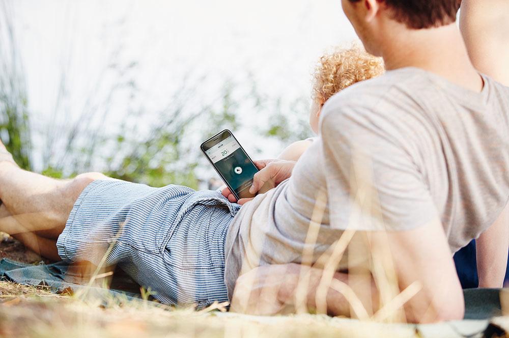Systém vykurovania môžu manželia ovládať cez aplikáciu asmartfón, aj keď nie sú doma.