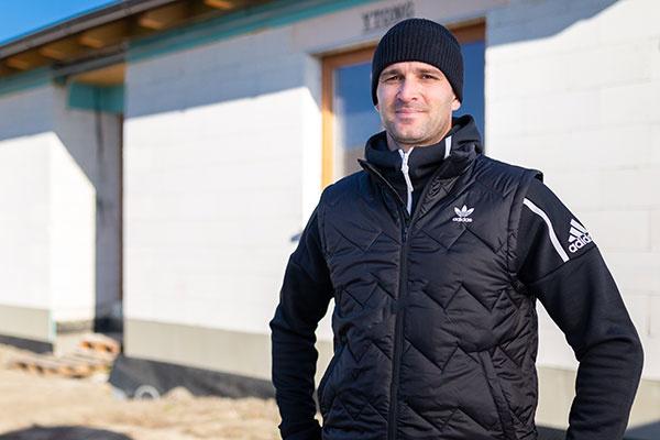 Škantárovci držia pri sebe – ako vyrástol dom od hrubej stavby k omietkam