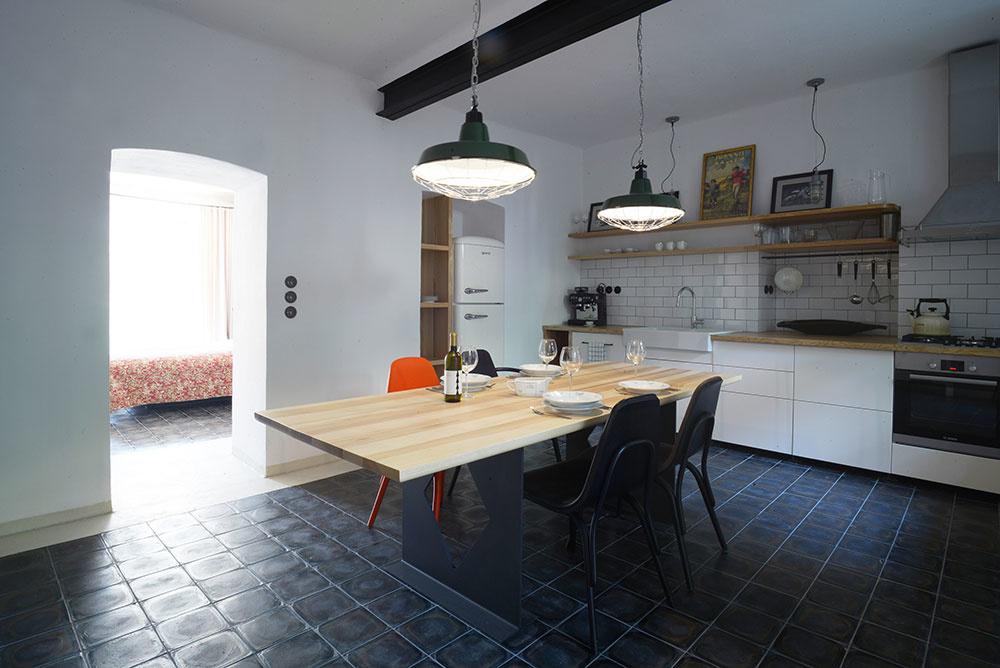 Čím si starý a vlhký byt na prízemí získal svojich nových majiteľov?