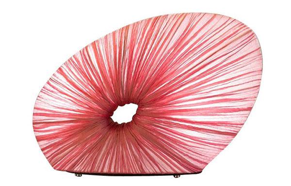 Stolová lampa Doe, dizajn Ayala Serfaty, kov, hodváb, 44 × 31 × 14 cm, 1 152 €, www.ambientedirect.com