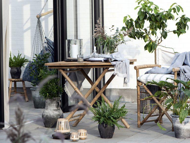 5 trendy drobností, ktoré premenia váš balkón na hygge raj