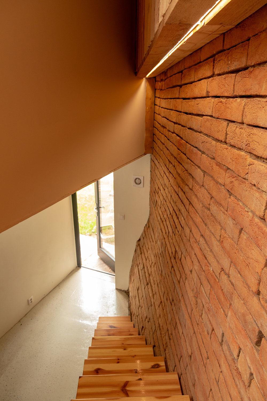 Rekonštrukcia domu zmenila domácim život: Z prudkého svahu za domov obrovská výhoda