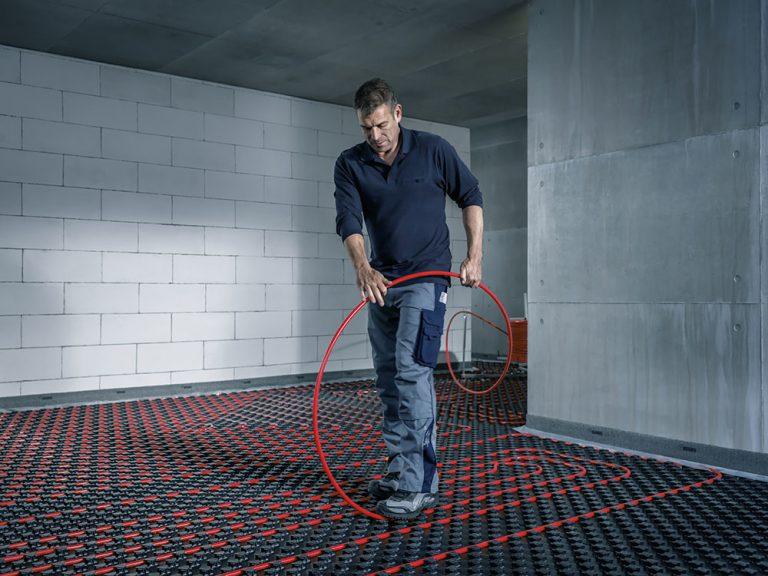 Ako dostať teplo do interiéru: Radiátor či podlahovka?
