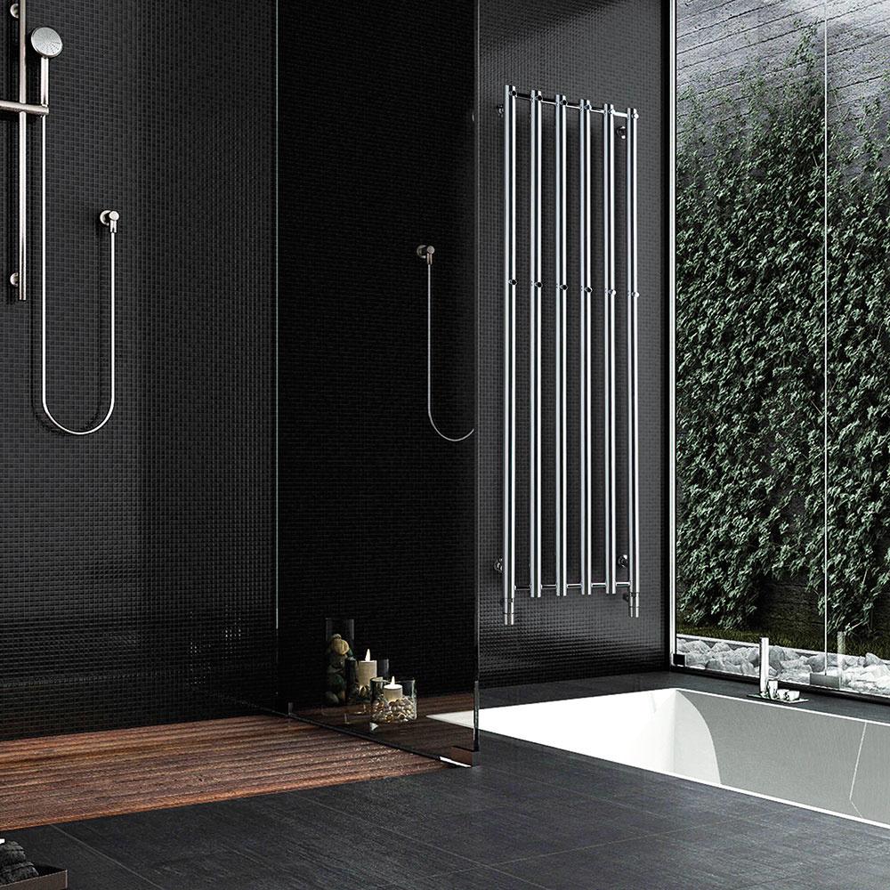 Elegantný a priestorovo nenáročný radiátor Rosendal je vhodný nielen do kúpeľne, ale aj do kuchyne či predsiene. Vybrať si môžete medzi teplovodnou, elektrickou a kombinovanou prevádzkou (s elektrickou vykurovacou tyčou). V ponuke je dvoj-, štvor- a šesťrúrkové vyhotovenie s horizontálnym aj vertikálnym usporiadaním, v rôznych rozmeroch, povrchových úpravách a farbách. Modely na výšku sú doplnené praktickými vešiačikmi na uteráky a župany. www.pmh-co.eu/sk
