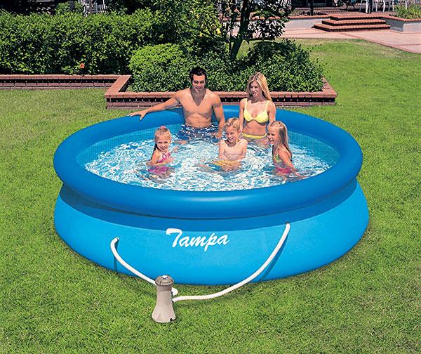 Medzi najpopulárnejšie nadzemné bazény patrí bazén Marimex Tampa. Pri stavbe postačí nafúknuť horný okraj astúpajúca voda postupne sama vyplní celý bazén. Súčasťou bazéna je kartušová filtrácia ahadica na prepojenie. Za 65,32 € nájdete na www.hornbach.cz.