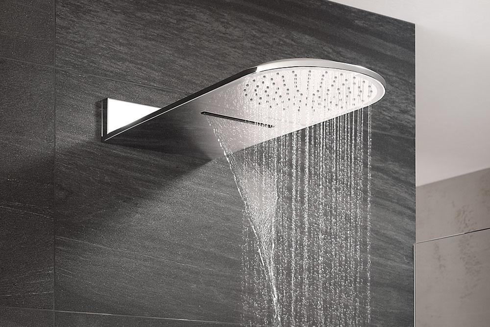 Hlavová sprcha Kludi A-QA sobjemovým aprívalovým prúdom vám zaručí dokonalý pôžitok arelax pri každom jednom sprchovaní. Svojím jednoliatym elegantným tvarom ašpičkovou technológiou vyvoláva pri sprchovaní pocit, akoby ste boli na daždi či dokonca pod príjemným masážnym vodopádom.