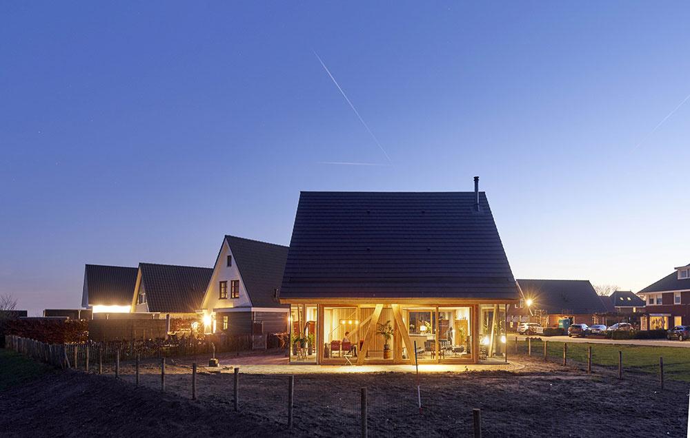 """Keď sa """"stodola""""  inšpiruje katalógovými domami"""