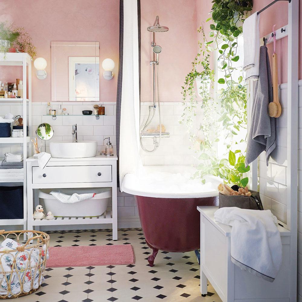 Môj súkromný wellnesS. Kúpeľňa je najmä orelaxe, tak ju pokojne prispôsobte svojmu obrazu. Natrite steny svojou obľúbenou farbou, nezabudnite na rastliny adoprajte si aj vaňu na nožičkách.