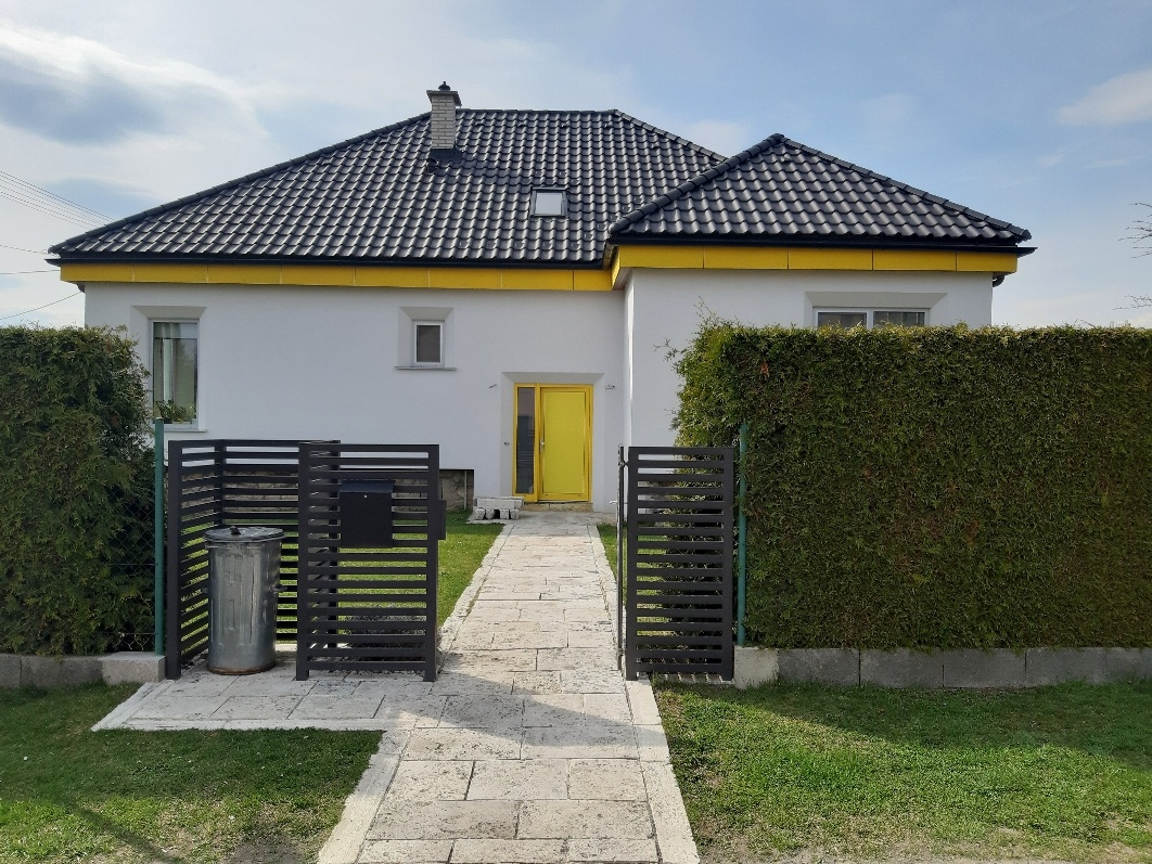 Dom po starých rodičoch premenili na svoj domov