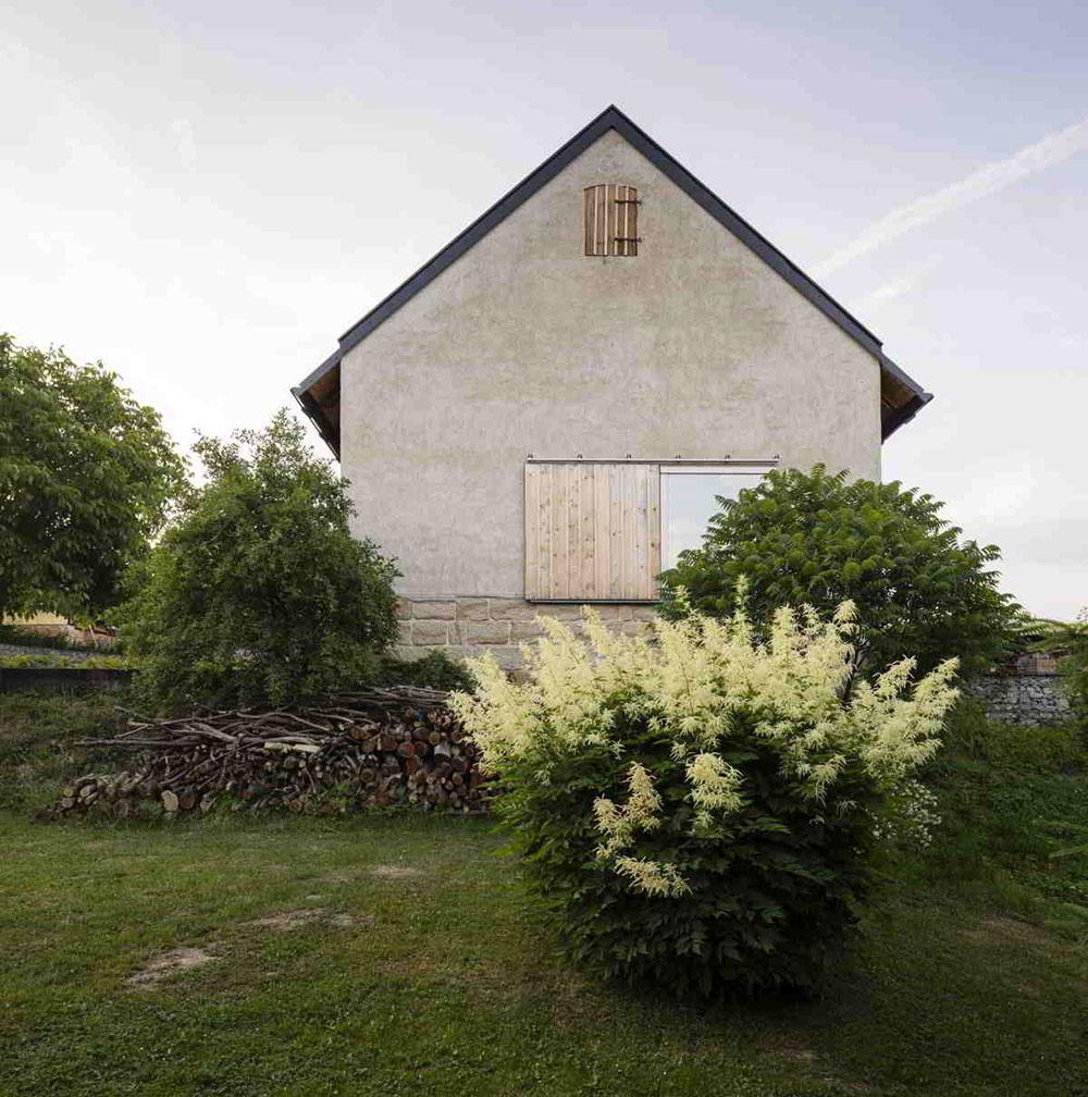 Chcete si zrekonštruovať stodolu? Dá sa to aj vkusne a s rešpektom