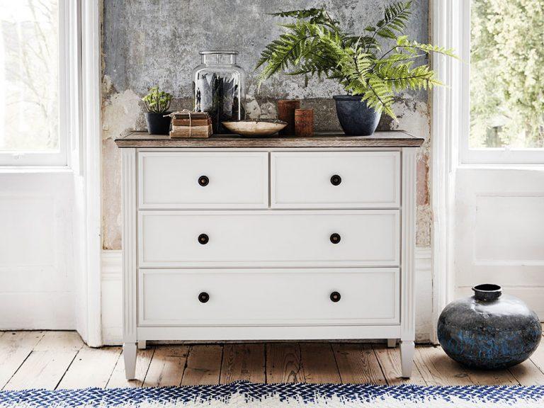 Retro kusy nábytku, ktoré oživia váš priestor