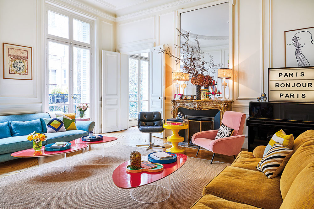 Mestský byt ako fantastická ríša vzorov, tkanín a kvetov
