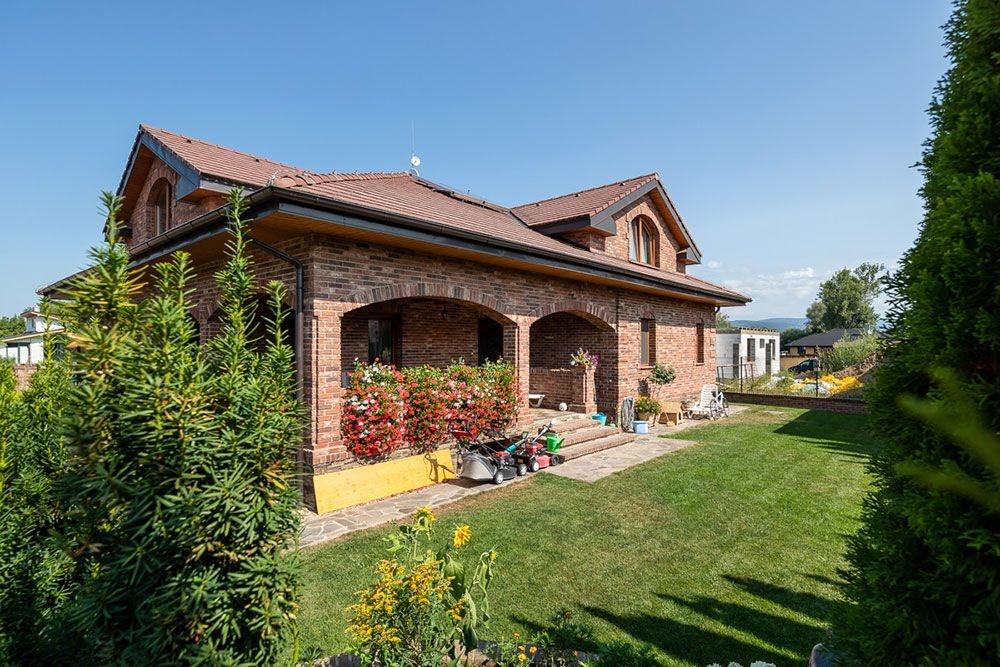Romantický dom na východe Slovenska, ktorý zreje ako víno