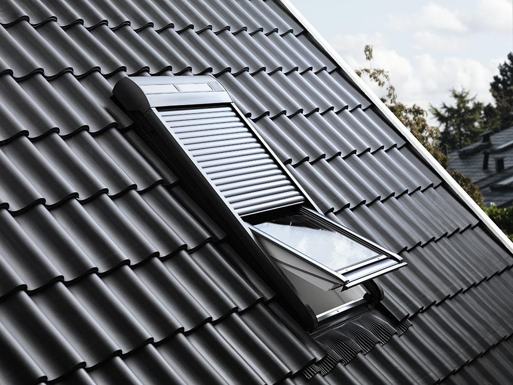 Proti horúčave v podkroví pomôže vonkajšia roleta VELUX