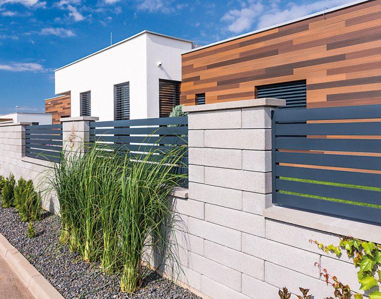 Ako si rýchlo postaviť plot, ktorý vám vydrží roky