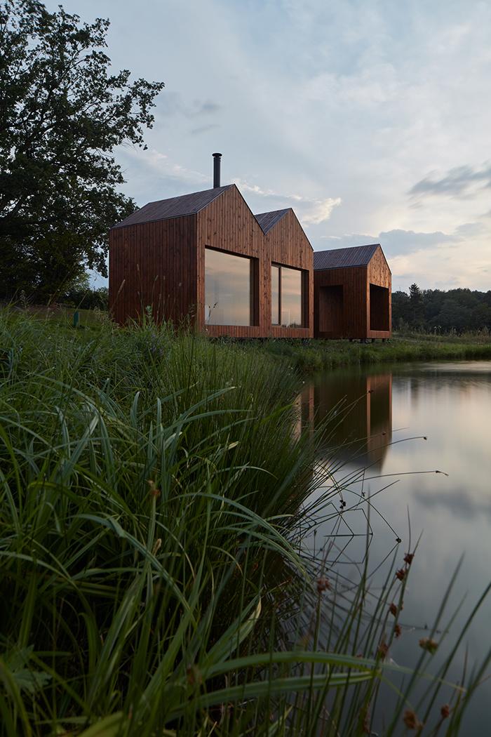 Rodinná chata z rybárskych búd