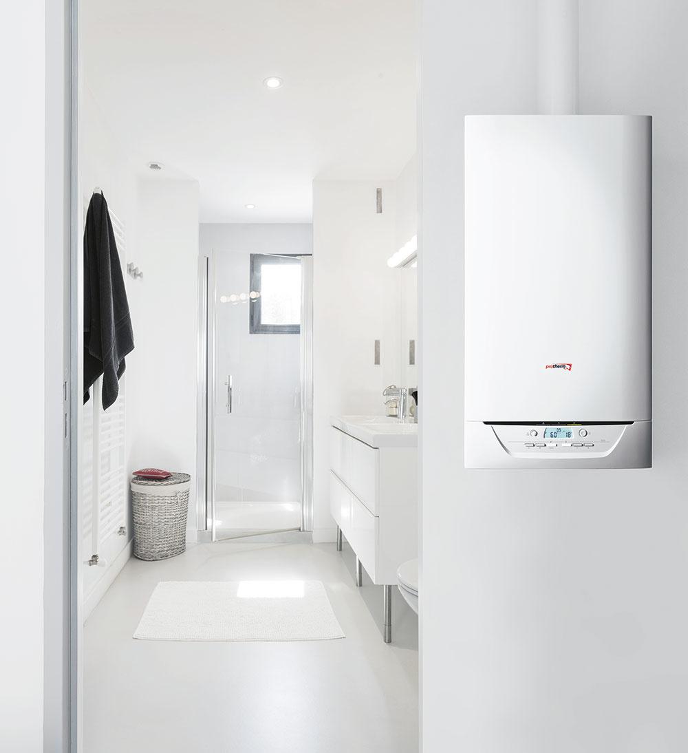 Závesný kondenzačný kotol (18/25 kW a 30/35 kW) v energetickej triede A, s jedným alebo dvomi zabudovanými 21 l antikorovými zásobníkmi teplej vody. Nezaberie veľa miesta, no dokáže spoľahlivo vykurovať a dodávať teplú vodu aj pre väčšie domácnosti, a to vďaka patentovanej technológii ISODYN2, ktorá umožňuje kombinovaný ohrev vody prietokovým a zásobníkovým spôsobom. Dokáže zabezpečiť rovnaké množstvo teplej vody ako kotol so samostatným veľkým 170 l zásobníkom. www.protherm.sk