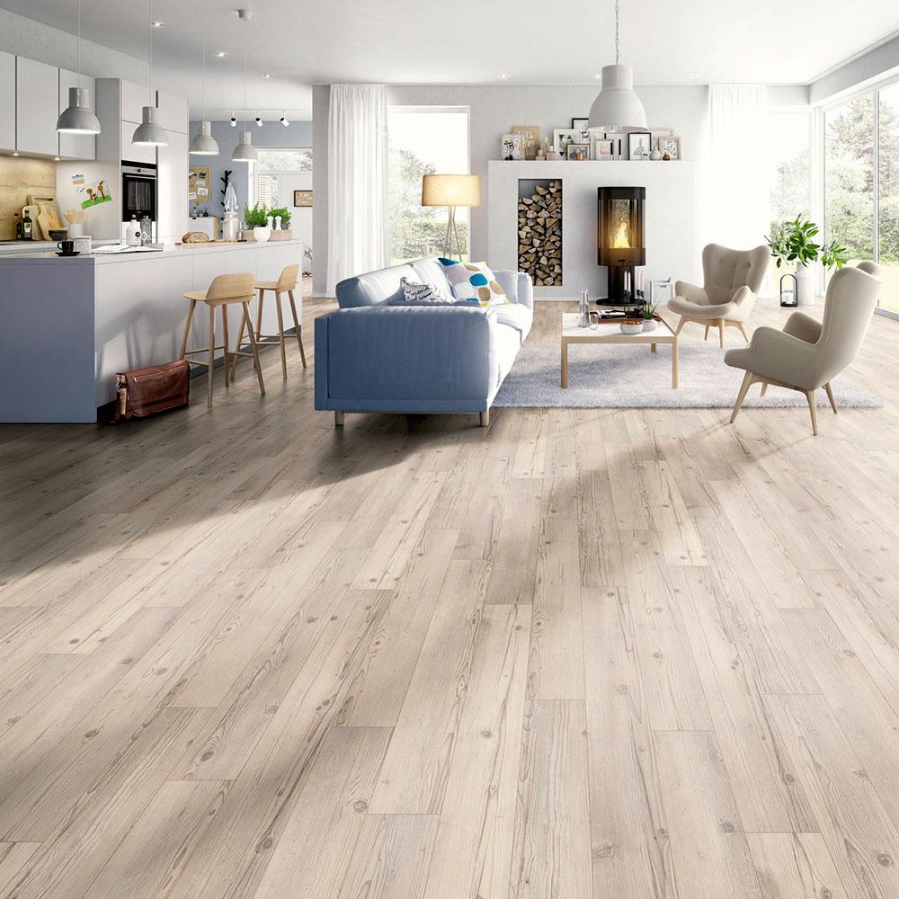 Laminátové podlahy sú najobľúbenejším typom podlahových krytín. Dôvodom je napríklad vzhľad, ktorým dokážu napodobniť drevo naozaj verne, odolnosť anenáročnosť, ale aj to, že sú vhodné na podlahové kúrenie. (Laminátová podlaha Megafloor Classic Eidenberg smrek, www.obi.sk)