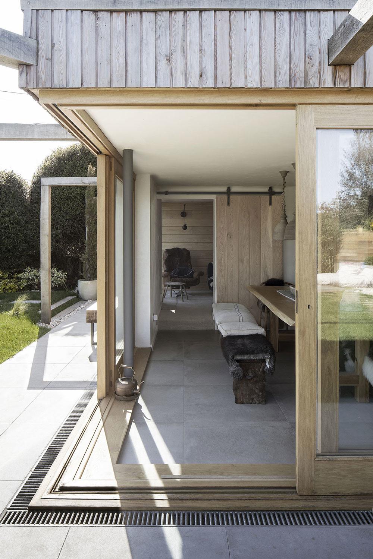 Dvestoročná chata sa stala pre rodinu novým domovom