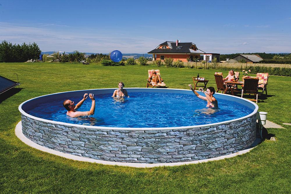 Novinkou na trhu sú bazény Azuro Vario s elegantným vonkajším dekorom kameňa