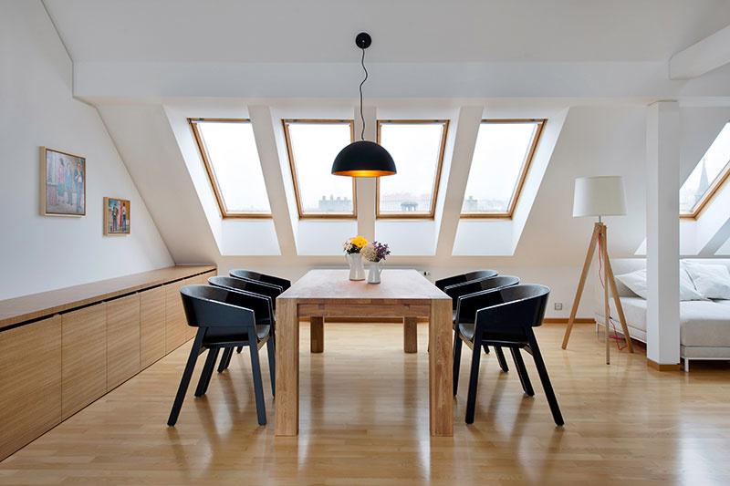 Podkrovný byt plný svetla, priestoru a šikovných riešení