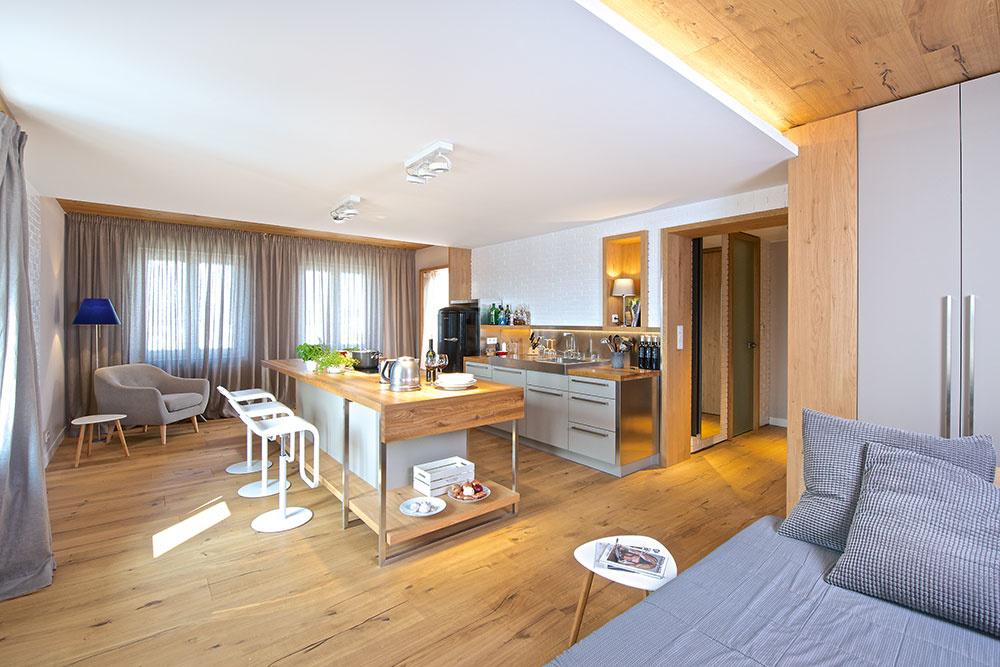Kuchyňa v centre diania: Dvojizbový byt pre milovníka varenia