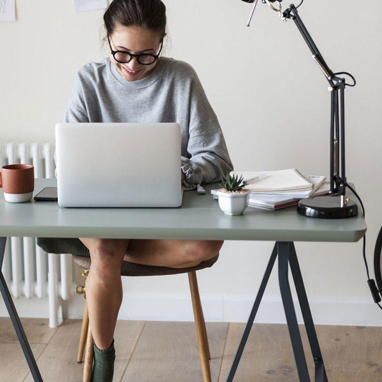 4 dôležité rady pri zariaďovaní domácej pracovne
