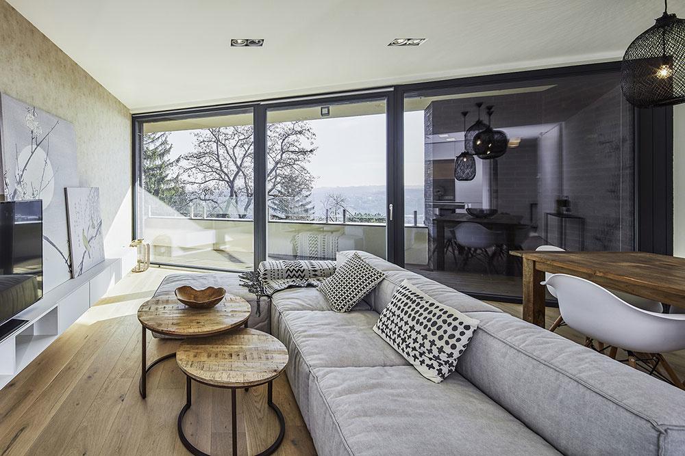 Nadčasový interiér a krásny výhľad: Byt, ktorý by ste neodmietli