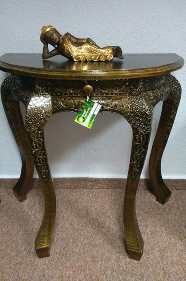 exotický nábytok