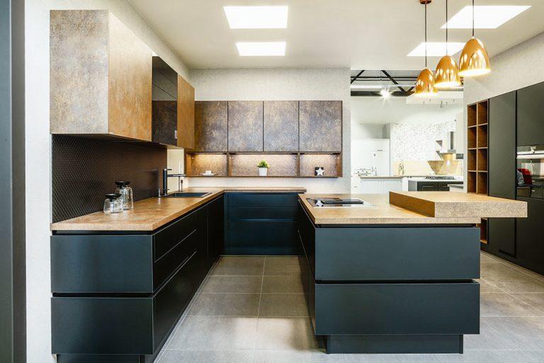 Podlahy, zásteny a dosky: Aké povrchy vybrať do kuchyne?