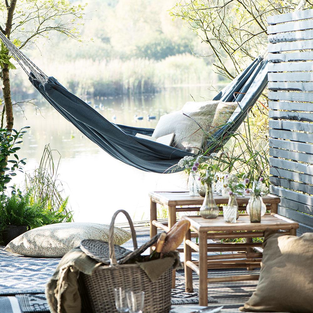 5 nápadov, ako si vonku pri dome zariadiť miesto na relax