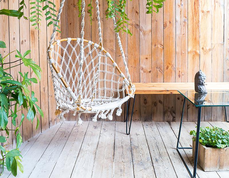 9 tipov na originálne záhradné hojdanie