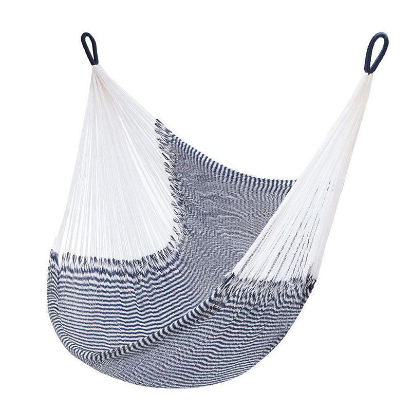 Námornícky hamak, 100 % ručne pradená vlna, predáva sa s praktickou taškou, 158,79 €, www.yellowleafhammocks.com