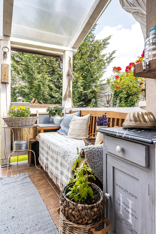 terasa v zahrade