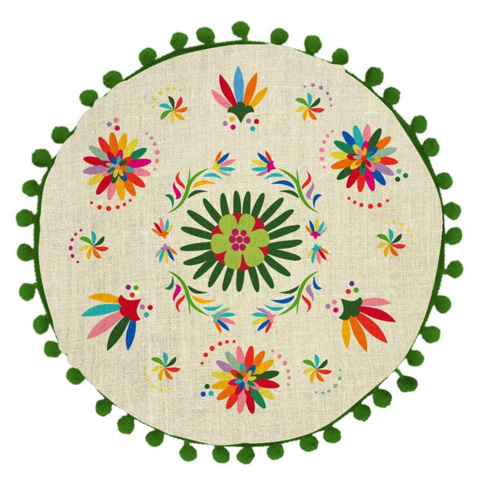 SNEOPOZERANÝMI VZORMI aživými farbami hravo vytvoríte atmosféru, ktorá sa len tak nevidí. Značka Madre Selva vsebe spája farebnosť, výrazné vzory aprírodné materiály. Jej doplnky adekorácie urobia radosť každému milovníkovi ďalekých destinácií. Obojstranný vankúš Ave Otomi spriemerom 45 cm nájdete za 29 €  vponuke Bonami.