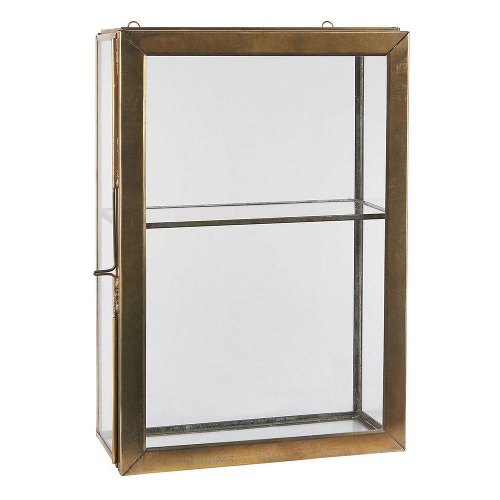 Mosadzná skrinka Antique Brass od značky IB Laursen, sklo, mosadzný rám s patinou, 30,5 × 20,5 × 9 cm, 45,05 €, www.bellarose.sk
