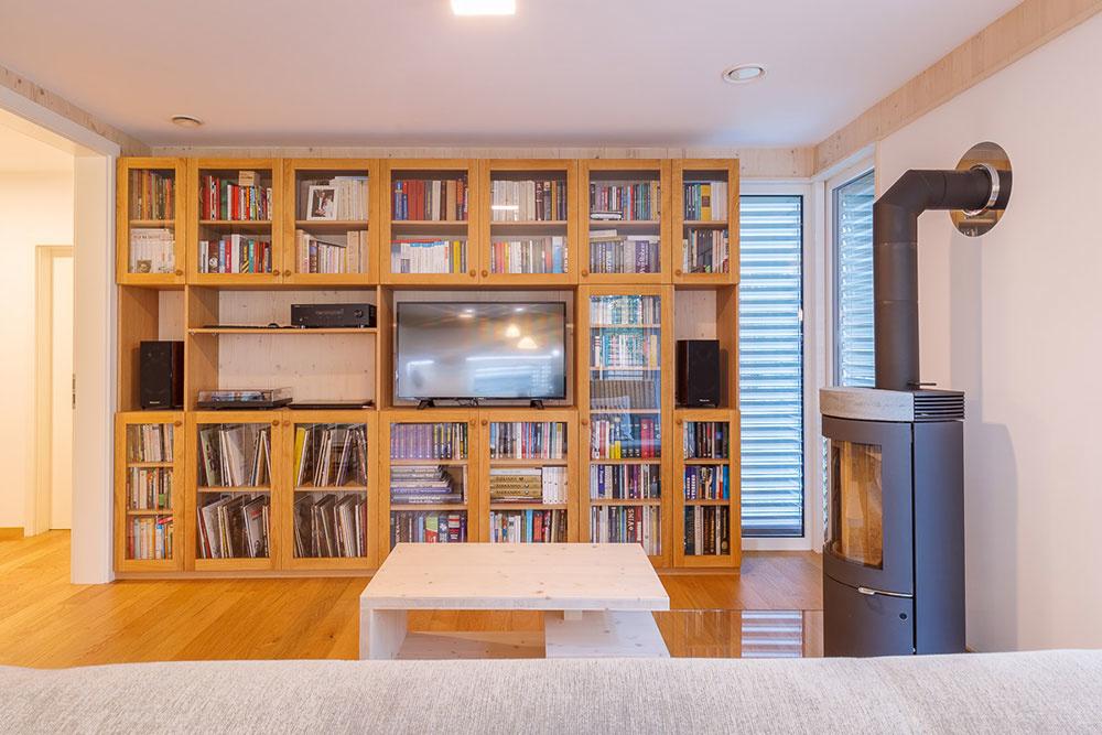 knižnica v dome