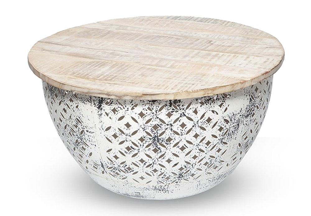Ručne maľovaný konferenčný stolík z dreva a kovu prinesie dávku nehy všade, kde je to potrebné. Je ideálnym doplnkom k boho kútiku, skvelo doplní sedenie v shabby chic štýle alebo si ním zjemníte svoju industriálne ladenú obývačku. Za 253 € nájdete na www.bonami.sk.