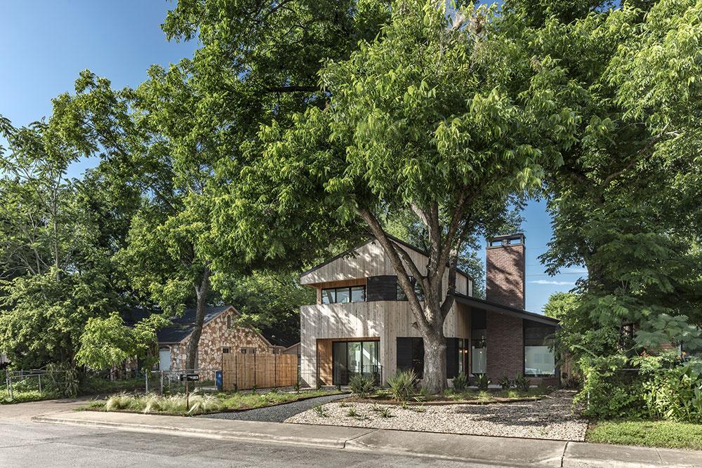 rodinný dom s drevenou fasádou