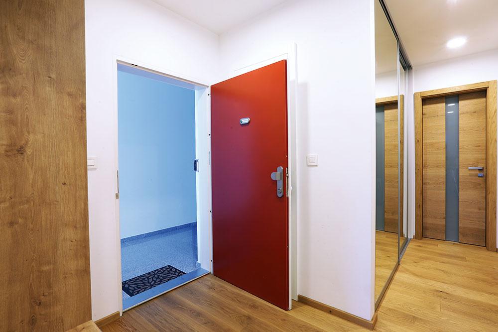 7 tipov, ktoré vám uľahčia výber bezpečnostných dverí