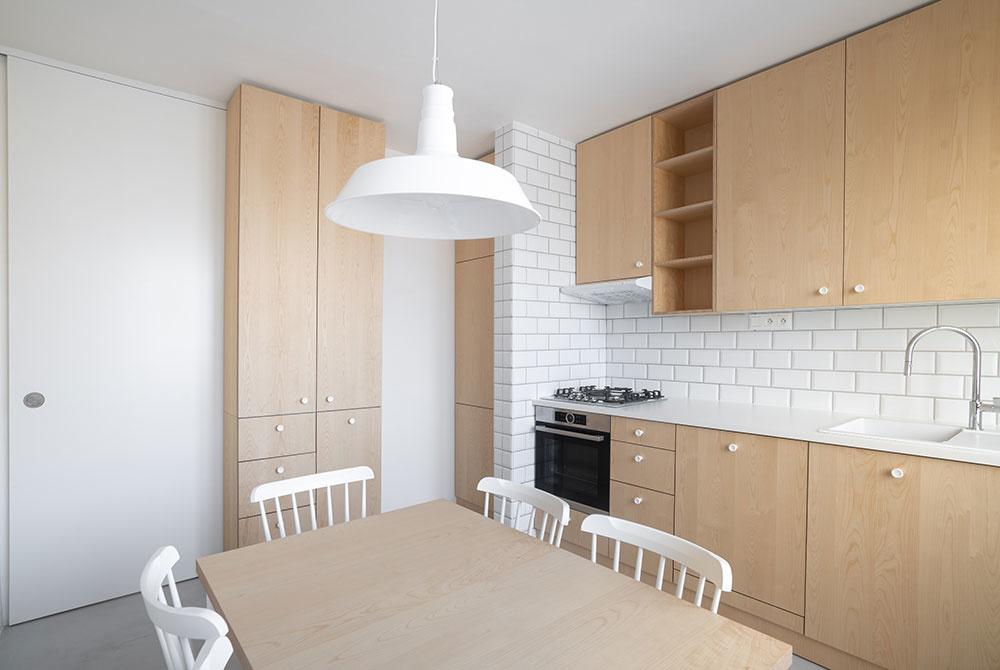 posuvné dvere medzi kuchyňou a chodbou