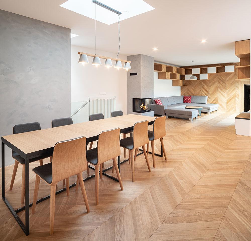 Jedáleň je s obývačkou prepojená vizuálne