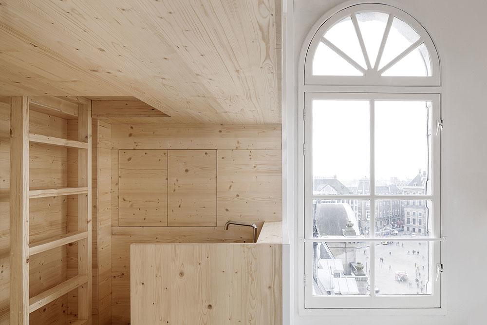 obytný box zo svetlého dreva