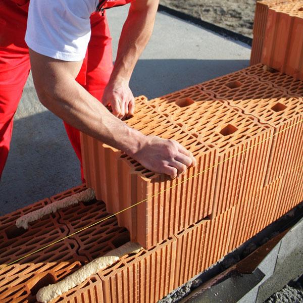 Ďaľšie urýchlenie hrubej stavby z tehál