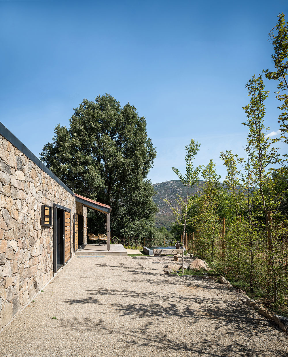 terasa pred domom