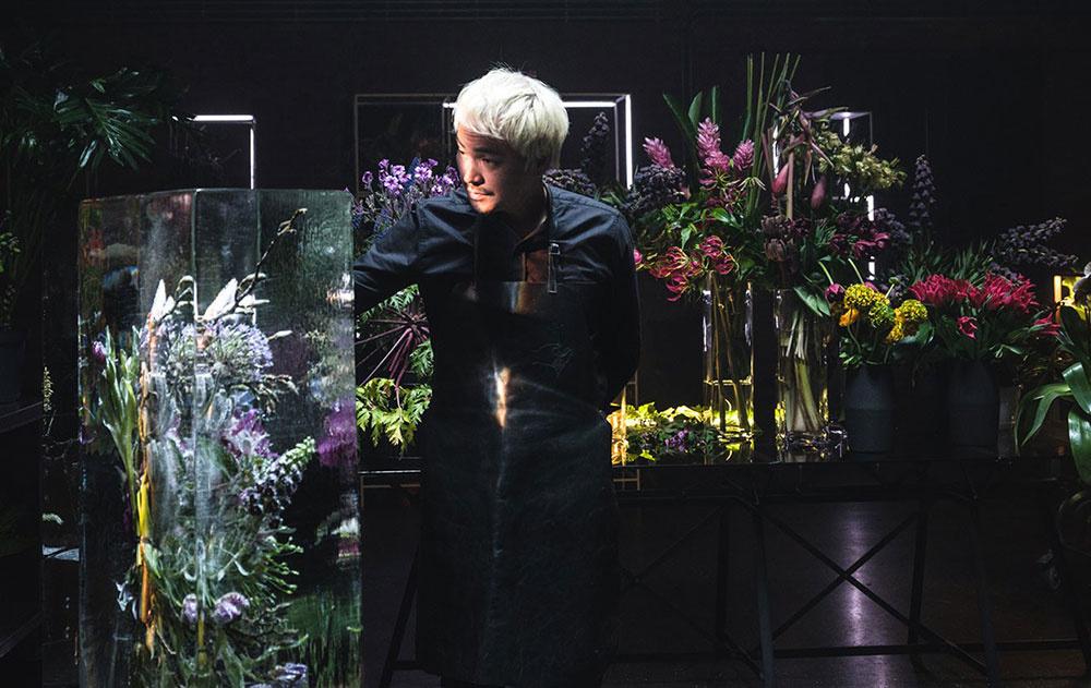 Botanický umelec Azuma Makota z Japonska.