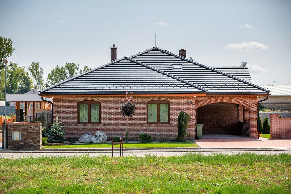 Kvalitný tehlový dom v Michalovciach zaujme nielen fasádou