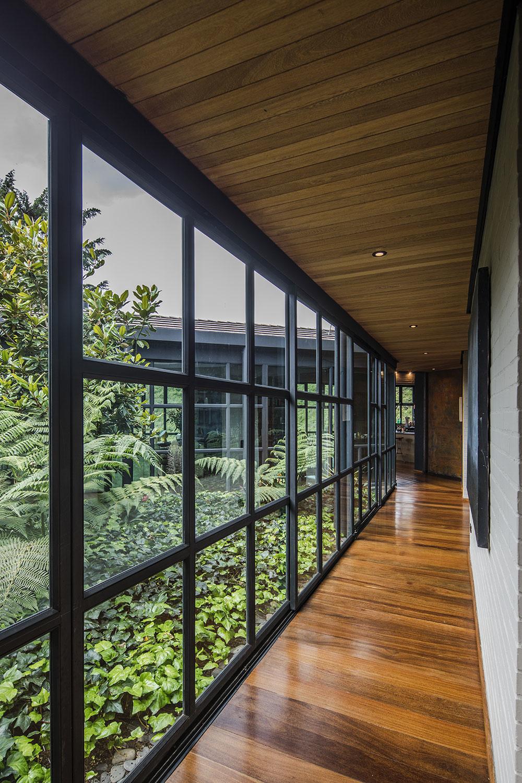 presklenné atrium Ortega Mora House