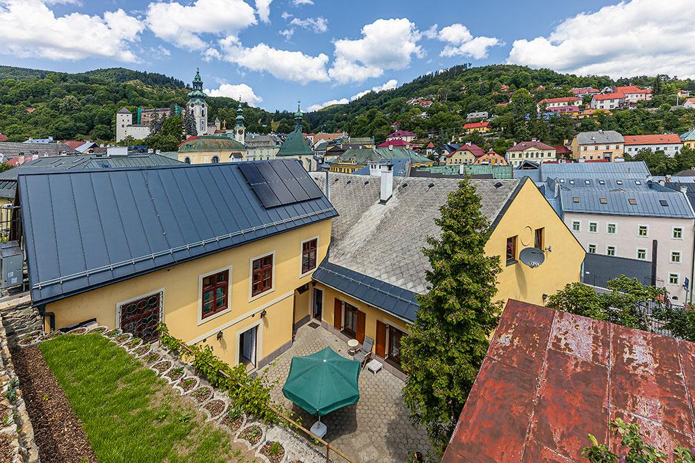 Ako môže vyzerať bývanie v 600-ročnom dome v Banskej Štiavnici?
